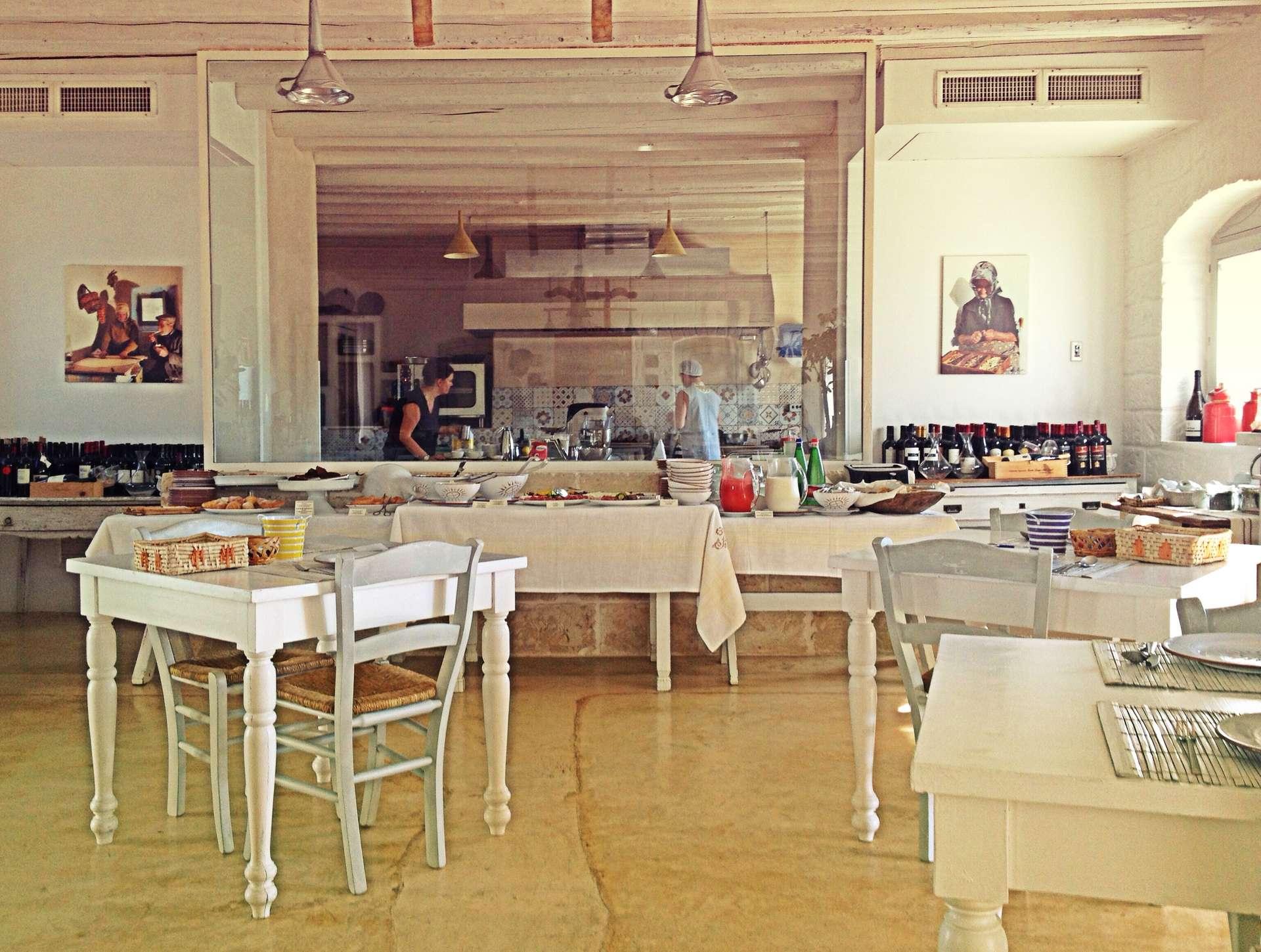 Masseria_Cervarolo_sala-colazione