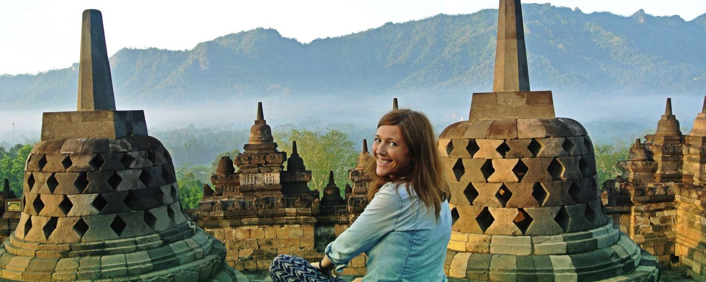 Borobudur_templio_alba_Java